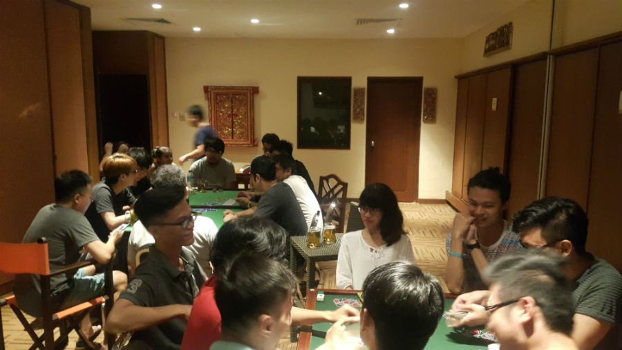 UNO and Poker tournaments inside the mahjong room