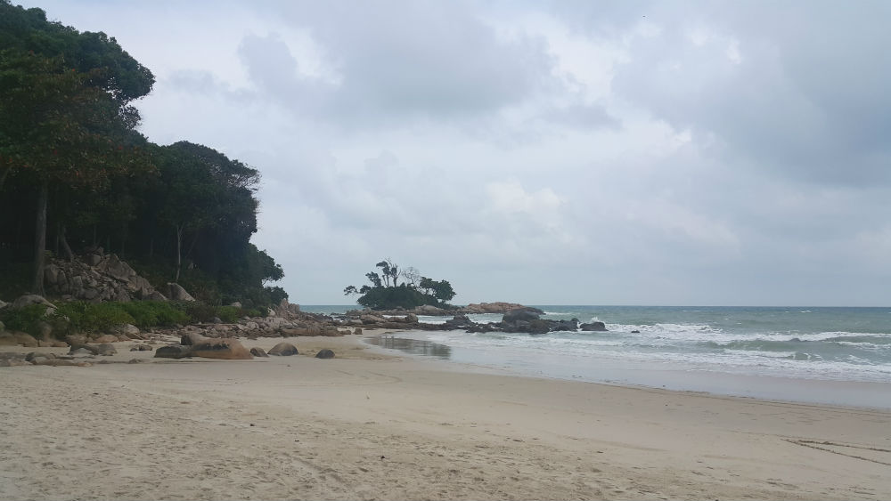 Club Mediterranean Bintan beach shore.jpg