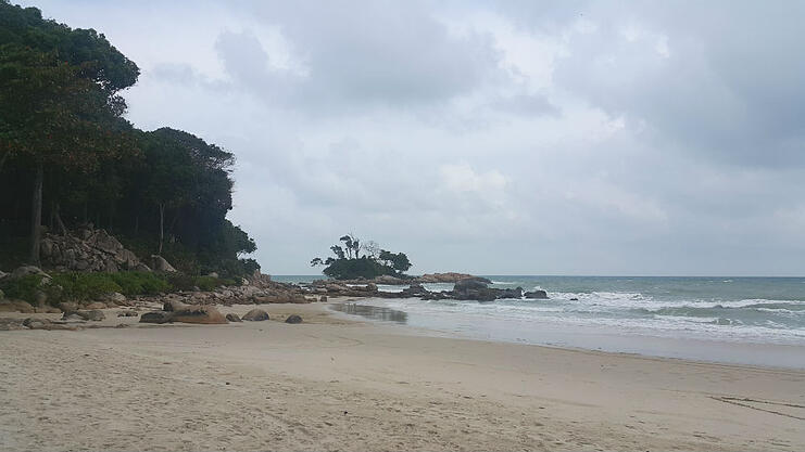 Club Mediterranean Bintan beach shore.jpg