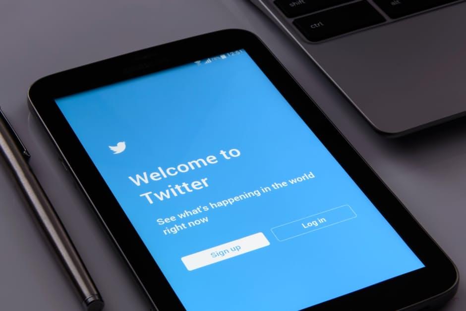 Twitter_mobile_sign_in.jpg